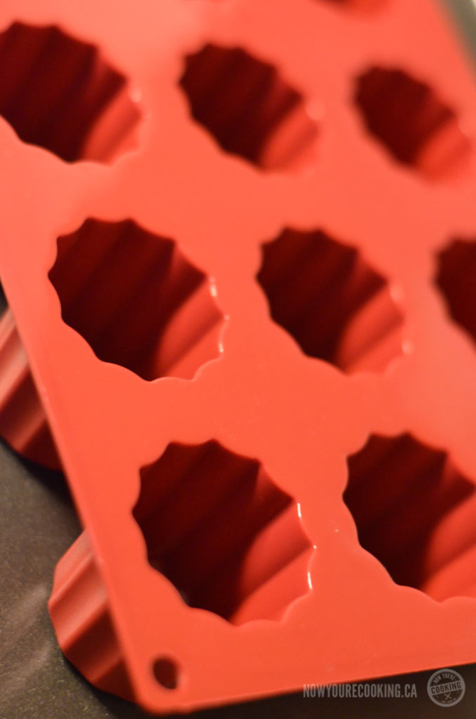 Plastic silicone cannelé mold